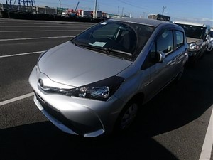 toyota-ksp-130-toyota-vitz-2015-/09-2015-cars-for-sale-in-ratnapura