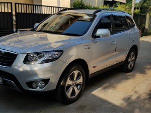 hyundai-santafe-2012-jeeps-for-sale-in-kalutara