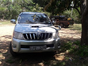 toyota-hilux-doble-cab-4x4-2007-pickups-for-sale-in-ratnapura