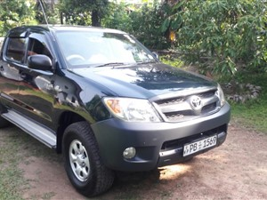 toyota-hilux-thailand-2007-pickups-for-sale-in-colombo