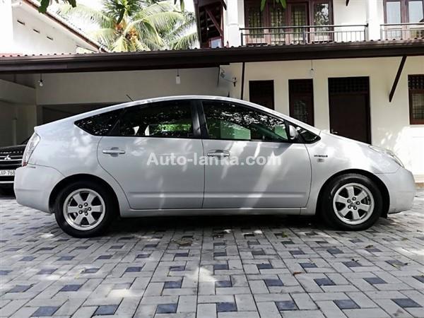 Toyota prius 2011 Car For Sale in Colombo - Auto-Lanka com