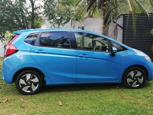 honda-fit-2015-cars-for-sale-in-colombo