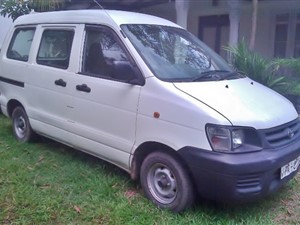 toyota-cr42-noah-pa-8xxx-selling-as-it-is-2007-vans-for-sale-in-colombo