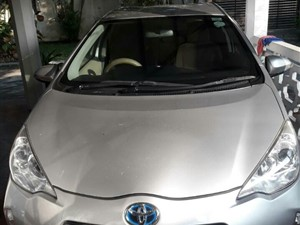 toyota-aqua-2014-cars-for-sale-in-galle