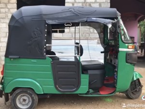 bajaj-three-wheel-2016-three-wheelers-for-sale-in-galle