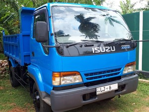 isuzu-juston-tipper-2012-trucks-for-sale-in-puttalam