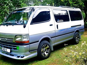 toyota-dolphin--super-gl-2003-vans-for-sale-in-kalutara