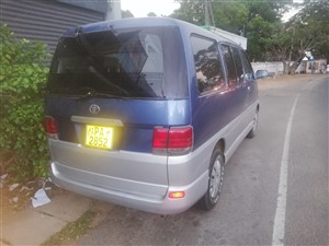 toyota-regious-2000-vans-for-sale-in-trincomalee
