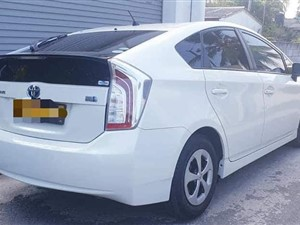 toyota-prius-2015-cars-for-sale-in-matara