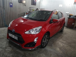 toyota-aqua-2015-cars-for-sale-in-colombo