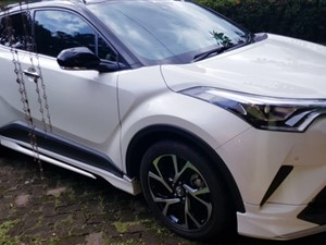 toyota-chr-gt-turbo-led-black-top-2018-jeeps-for-sale-in-gampaha