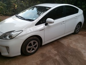 toyota-prius-2012-cars-for-sale-in-kandy