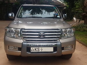 toyota-land-cruiser-sahara-200-v8-2011-jeeps-for-sale-in-gampaha