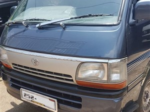 toyota-hiace-2015-vans-for-sale-in-puttalam