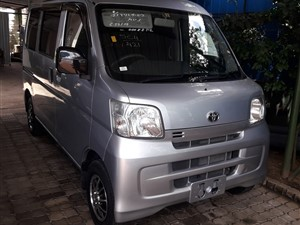 toyota-pixis-cruise-2017-vans-for-sale-in-colombo