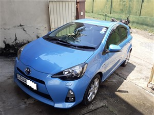 toyota-aqua-g-grade-special-edition-2014-cars-for-sale-in-colombo