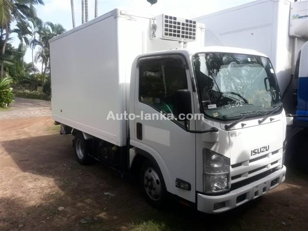 Isuzu 2013 Isuzu elf 10.5 feet 2013 Trucks For Sale in SriLanka