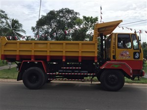 ashok-leyland-3-cube-tipper-2012-trucks-for-sale-in-puttalam