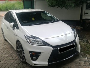 toyota-prius-s-sports-2014-cars-for-sale-in-gampaha