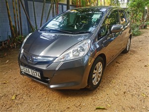 honda-fit-gp1-hybrid-2013-cars-for-sale-in-colombo