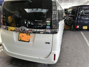 toyota-voxy-2015-vans-for-sale-in-colombo