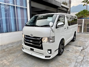 toyota-hiace-kdh201v-2017-vans-for-sale-in-matale