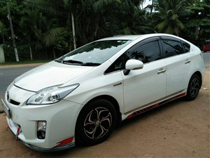 toyota-prius-3rd-generation-2013-cars-for-sale-in-puttalam