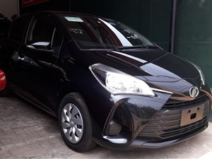toyota-vitz-2017-cars-for-sale-in-colombo