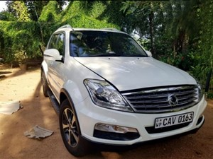ssangyong-rexton-2017-jeeps-for-sale-in-gampaha