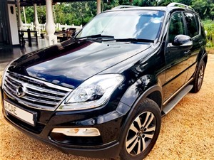 ssangyong-rexton-2015-jeeps-for-sale-in-kalutara