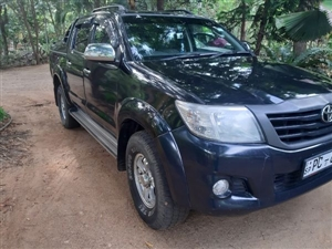 toyota-hilux-2011-jeeps-for-sale-in-hambantota