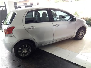 toyota-vitz-2007-cars-for-sale-in-colombo