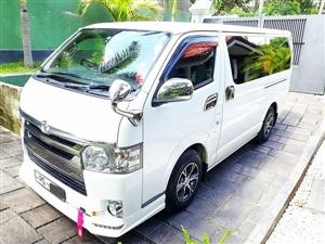 toyota-kdh-dark-premium-2015-cars-for-sale-in-gampaha
