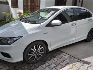 honda-grace-2018-cars-for-sale-in-galle