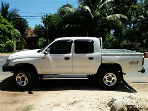 toyota-hilux-double-cab-2005-2005-jeeps-for-sale-in-puttalam