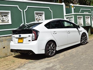 toyota-prius-gs-(g-sport)-2013-cars-for-sale-in-badulla