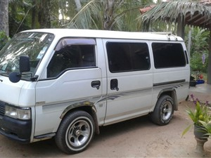 nissan-caravan-2000-vans-for-sale-in-puttalam