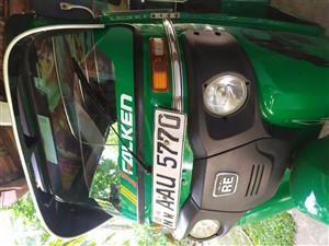 bajaj-4-stock-2014-three-wheelers-for-sale-in-kurunegala