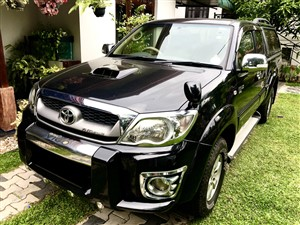 toyota-hilux-vigo-smart-cab-2010-pickups-for-sale-in-colombo
