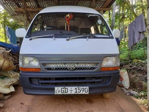 toyota-dolphins-hiroof-2000-vans-for-sale-in-kandy