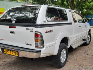 toyota-hilux-vigo-3.0-c-2010-pickups-for-sale-in-colombo