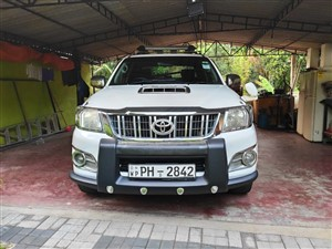 toyota-hilux-2012-pickups-for-sale-in-gampaha