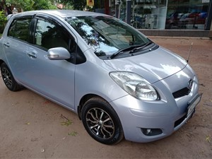toyota-vitz-2009-cars-for-sale-in-puttalam