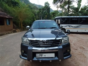 toyota-hilux-2013-pickups-for-sale-in-colombo