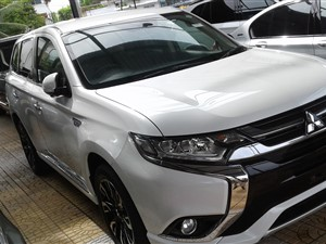 mitsubishi-outlander-2016-jeeps-for-sale-in-colombo