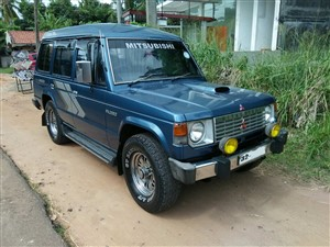 mitsubishi-pajero-1988-jeeps-for-sale-in-puttalam