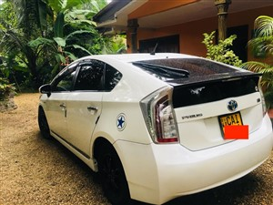toyota-prius-2015-cars-for-sale-in-colombo