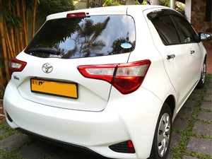 toyota-vitz-6-speaker-safety-2-new-version-2018-cars-for-sale-in-colombo