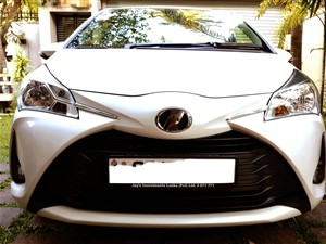 toyota-vitz-multi-safety-2-version-2018-2018-cars-for-sale-in-colombo