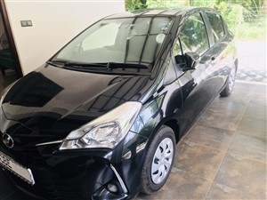 toyota-vitz-f-safety-2018-cars-for-sale-in-puttalam